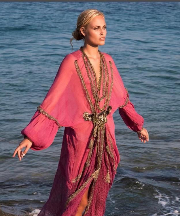 pret-a-porter Saint Jean Cap Ferrat-beachwear monaco-chaussures d ete cannes-cosmetiques alpes maritimes-boutique de maillots de bain nice